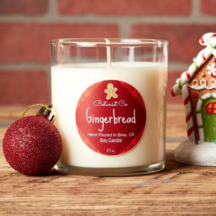 Gingerbread is a great holiday scent for your candle making.