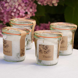 four unforgettable wedding favors