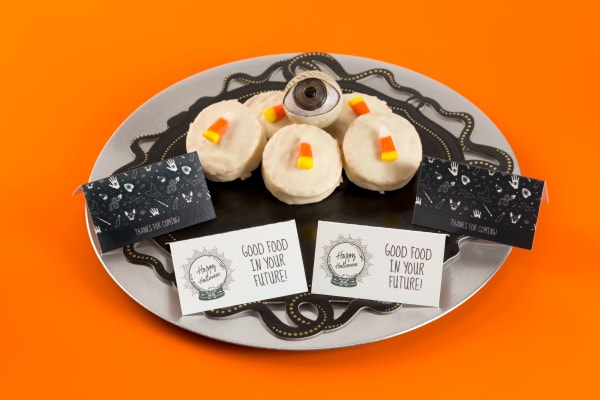 Halloween Party Cookies and tent cards